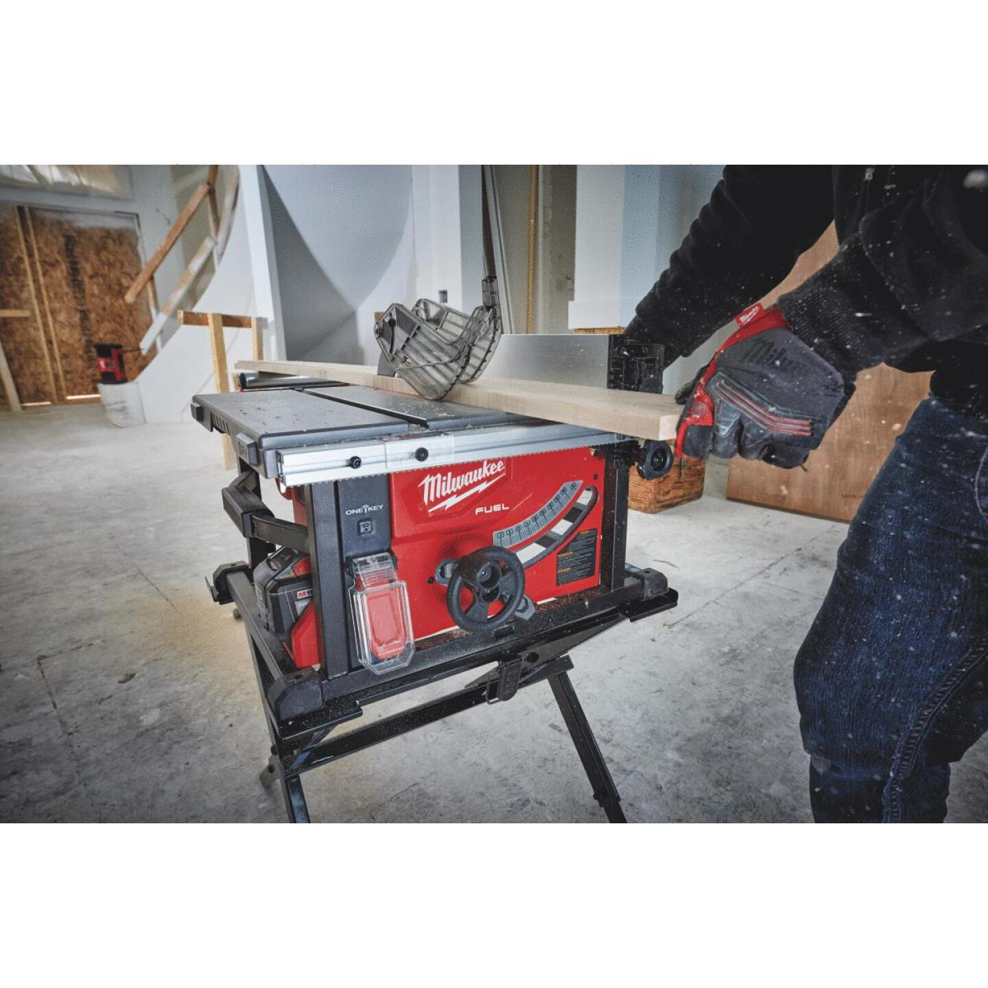 Milwaukee M18 FUEL 18-Volt Lithium-Ion Brushless 8-1/4 In. Cordless Table Saw w/One-Key Kit Image 2